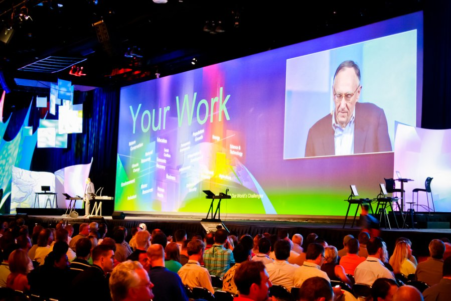 blue-spark-event-design-general-session-audio-visual